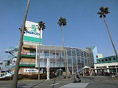 スーパーセンターオークワパームシティ和歌山店まで970m
