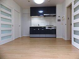 キッチンスペースはホワイトブリック柄のクロスです。