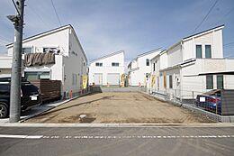 カースペースも建物も、余裕をもってご計画いただける整形地です。