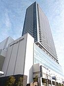 中央線・横浜線・八高線のJR八王子駅は徒歩1分、京王八王子駅は徒歩8分とアクセス良好。八王子駅南口の複合タワーマンション。ショッピング、グルメ、クリニック、公共サービスが揃います。