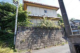 JR中央線「西八王子」駅が最寄駅。