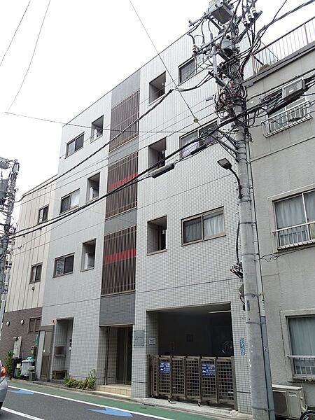 東京都港区白金5の賃貸マンションの外観