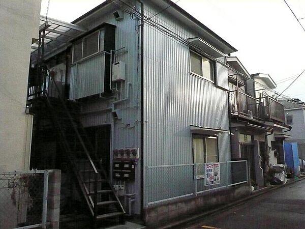 前田荘[102号室]の外観