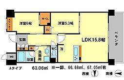 リラフォート千里中央 5階2LDKの間取り