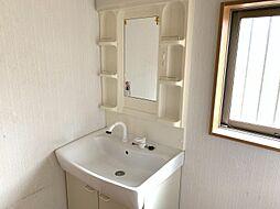 窓付きの明るい浴室・洗面所