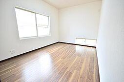 2階洋室和室を洋室に変更工事を行いました。