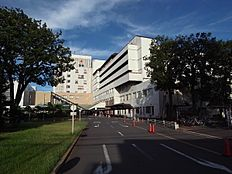 総合病院武蔵野赤十字病院まで776m