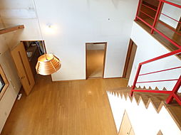 2階居室とのつながりを感じさせる吹抜け。気持ちにも広がりを与えてくれます。