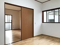 1F北西・北東洋室は部屋を繋げてリビングとしてお使い頂けます。(1)