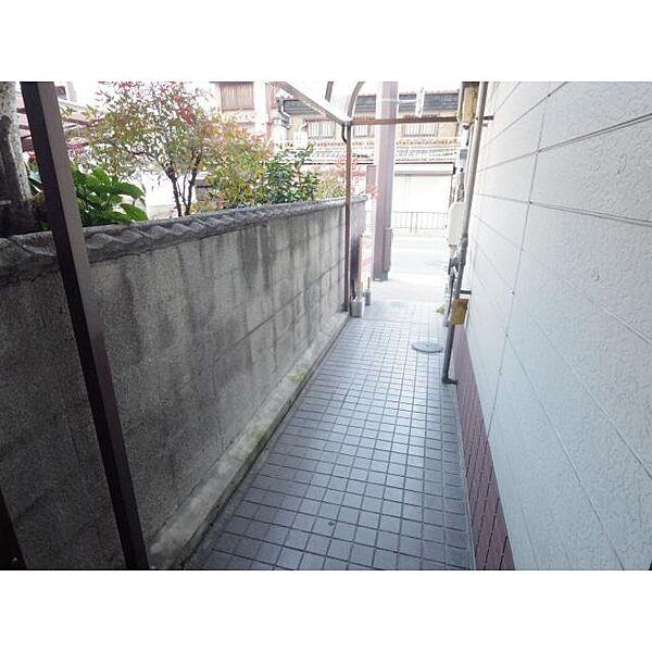 奈良県奈良市手貝町の賃貸マンションの外観