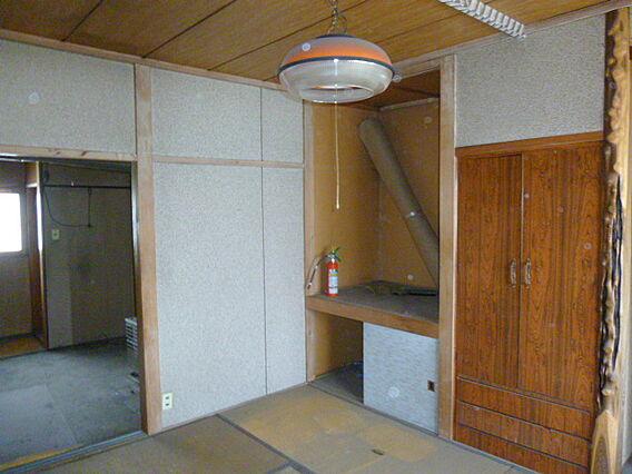 2階 旧美容室...