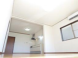 リフォーム済洋室写真です。リビングに間取り変更しました。壁のクロスは張り替えしました。。