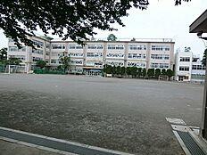 西宮中学校まで徒歩12分(960m)