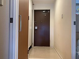広々とした玄関ですシューズボックスもあるので大家族にも便利