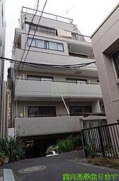 東京都新宿区三栄町の賃貸マンションの外観