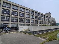 高砂市立竜山中学校まで1893m