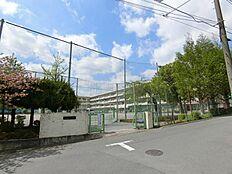町田市立鶴川第二中学校まで約907m