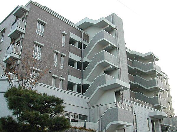 シティコート富雄[5階]の外観