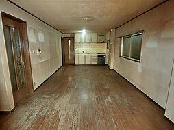 大阪市東淀川区大桐3丁目 中古一戸建て 6LDKの居間