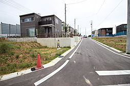 ファミリーマート武豊桜ヶ丘店まで徒歩13分(約1000m)