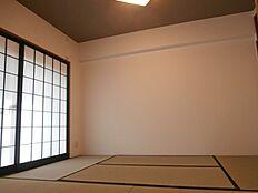 モダンな雰囲気の和室