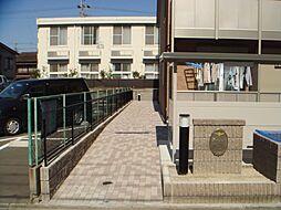 アンプルール リーブル ロイヤル[1階]の外観
