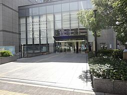 大阪市立中央図書館(413m)