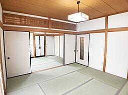 「1階和室」広々としています。畳表替え済み。