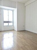 洋室は6.7帖と5.7帖の2部屋となっています。