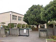 昭島市立共成小学校 720m