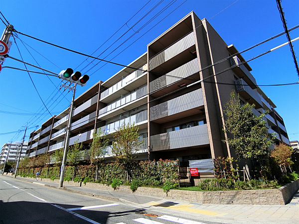 兵庫県西宮市甲子園三番町の賃貸マンションの画像