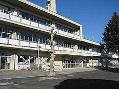 西東京市立向台小学校まで1031m、西東京市立向台小学校まで徒歩約13分。
