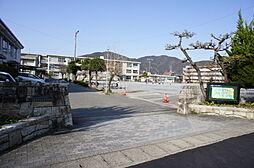 長良小学校迄徒歩約7分(約520m)