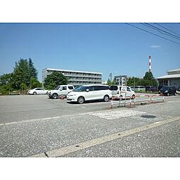 速星駅前月極駐車場