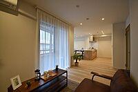 居間(家事の負担を軽減出来る食洗機・浴室乾燥機設置。6階南向き物件)