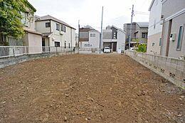 全2区画の分譲地です。敷地面積は約34坪です。