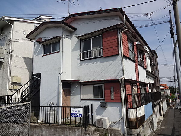 冨田荘[202号室]の外観