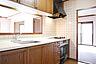 洋室への出入り口のある家事動線の考えられたキッチンです,3LDK,面積85.18m2,価格2,090万円,JR呉線 呉駅 徒歩9分,,広島県呉市西中央3丁目