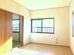 2F西側7.5帖の洋室。子供部屋や主寝室に使って頂けます。(2)