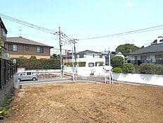 B区画敷地内から前面道路方向に向かって撮影した様子です。(平成30年5月27日撮影)