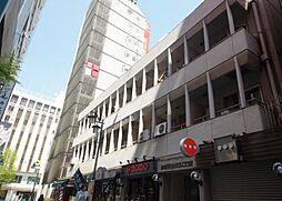 東京都新宿区新宿3丁目の賃貸マンションの外観