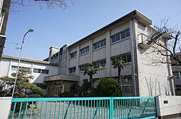 鏡島小学校まで徒歩約3分。(約190m)