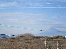 室内から見える富士山