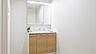 ゆとりあるスペースの洗面所 家具・備品等は価格に含まれます。,4LDK,面積93.31m2,価格1,580万円,高松琴平電気鉄道琴平線 三条駅 徒歩13分,,香川県高松市三条町
