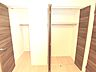 クローゼットには、お洋服がハンガーのまま掛けられて便利です。,3LDK,面積78.75m2,価格1,880万円,京急本線 浦賀駅 徒歩22分,,神奈川県横須賀市鴨居2丁目