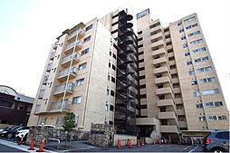 地下鉄東山線新栄町駅と千種駅が徒歩圏で通勤通学も便利ですね。