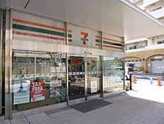 コンビニエンスストアセブンイレブン新宿富久町店まで344m