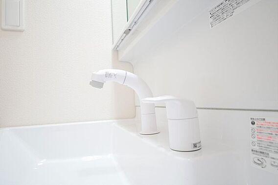 洗面台の給水口...