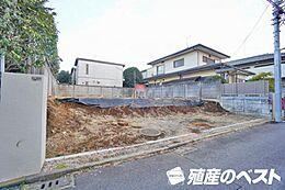京王井の頭線「三鷹台」駅より徒歩約6分です。建築条件無の土地です。
