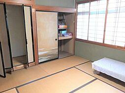 採光の良い和室はのんびりと寛げる空間